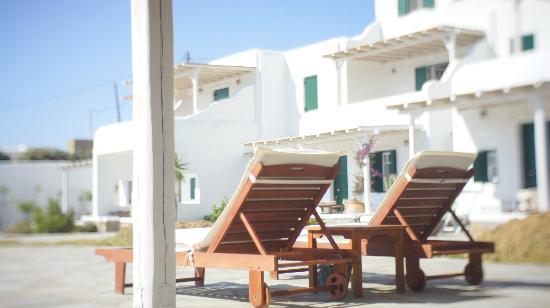 Yakinthos Residence: Ideal for sunbathing