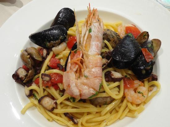 Ibis Styles Bari Giovinazzo : Linguine aux fruits de mer