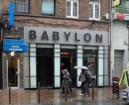 Hôtel Faidherbe : the sex shop below