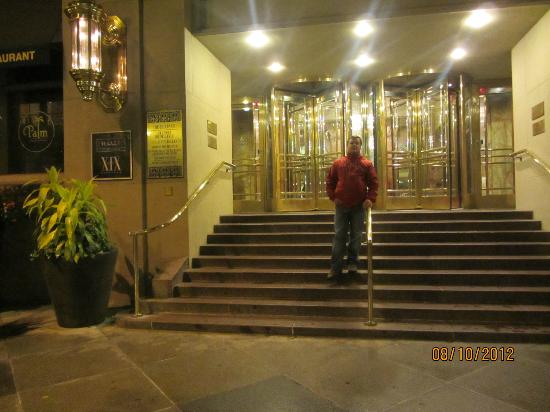 Hyatt at The Bellevue: Hotel Entrance