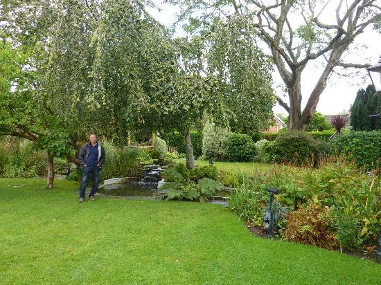 Millstream Hotel & Restaurant: Hotel garden