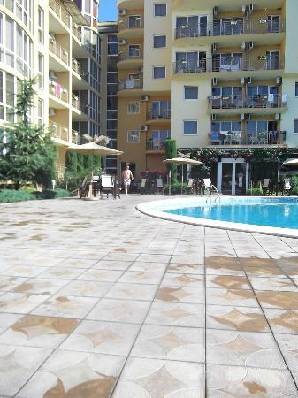 Joya Park Complex: Very nice pool