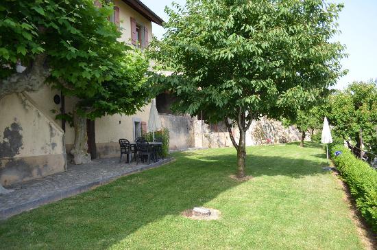 Domaine du Burignon: Partie de la terrasse