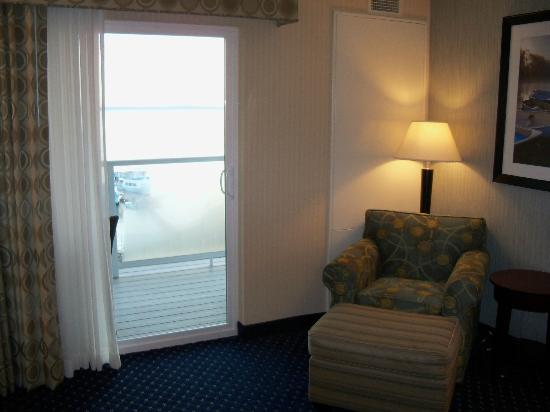 Atlantic Oceanside Hotel and Event Center: king suite