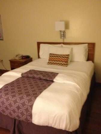 Derby Four Seasons Inn and Suites: Rm 115