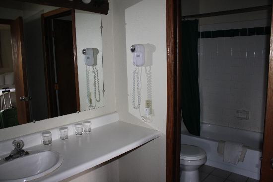 Signal Mountain Lodge : Bath area