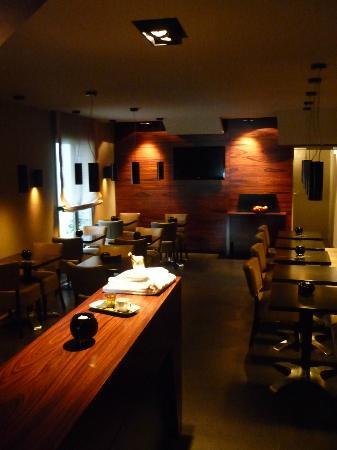 L'HOTEL : La sala/colazione.
