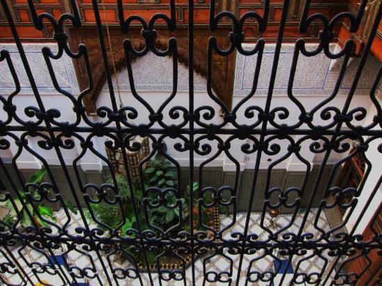 Riad Laayoun: balcony