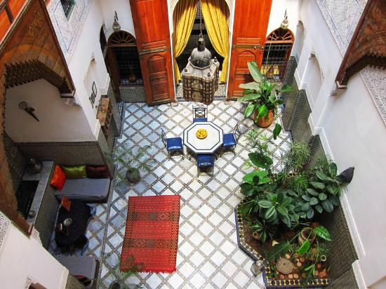 Riad Laayoun: view down to ground floor entrance