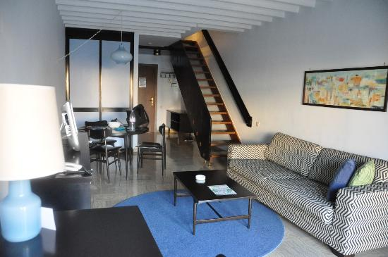 Residence Garden: En dessous la pièce a vivre