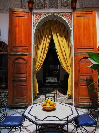 Riad Laayoun: room entrance
