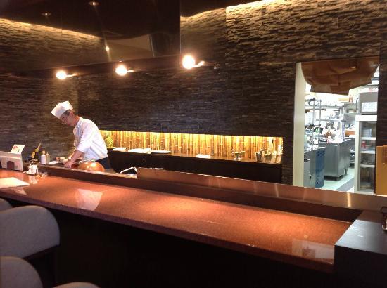 Tamura: Chef at Work