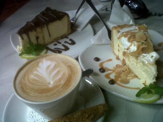 The Waterberry Tea Garden: Nougat cheese cake and barone cheese cake