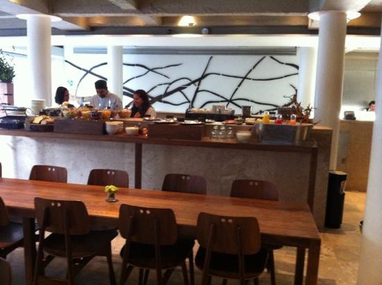 Hotel Habita: Buffet desayuno