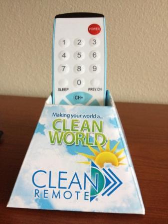 Comfort Inn & Suites: Clean remote