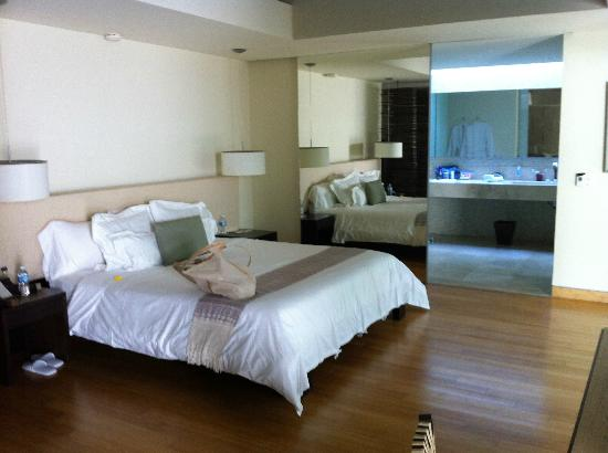 Blue Diamond Luxury Boutique Hotel: Patio Suite