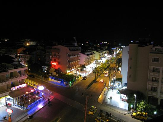 Golden Rock Beach Hotel : View at night down the street.