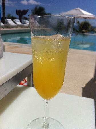 Blue Diamond Luxury Boutique Hotel : Mimosas on the pool