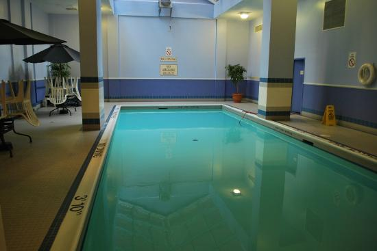 The Metcalfe Hotel: Quiet pool area