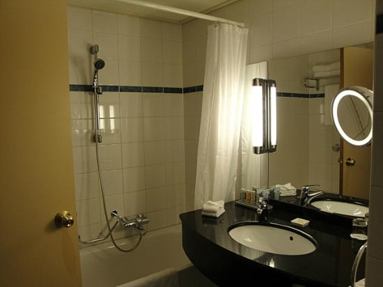 Radisson Blu Hotel Amsterdam Airport: Bathroom
