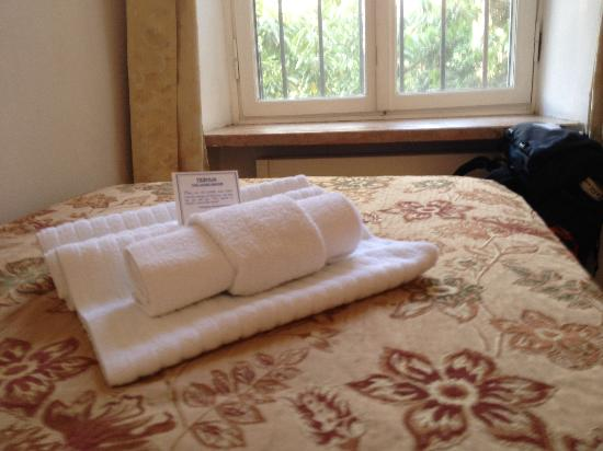 Christ Church Guest House: Towels provided