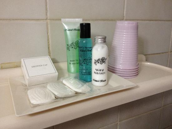 Christ Church Guest House: Toiletries provided