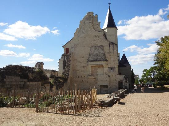 BEST WESTERN Hotel de France: Chateau Chinon - 10 minute walk