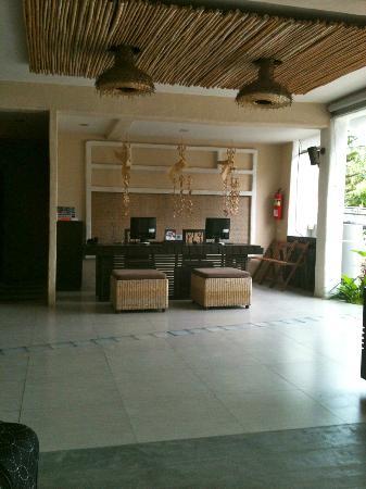 Punnpreeda Beach Resort: Reception & Business area