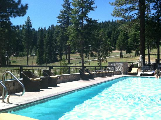 The Ritz-Carlton, Lake Tahoe: Adult pool....serenity.