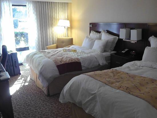 Pleasanton Marriott: Priceline Zimmer im EG mit Spinnweben an der Decke