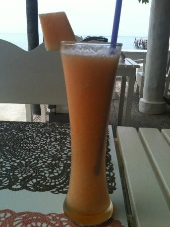 Punnpreeda Beach Resort: Refreshing Cantaloupe juice at Chill@Hip