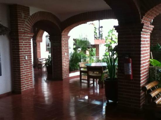 هوتل بلايا كونتشاس تشيناز: lobby 