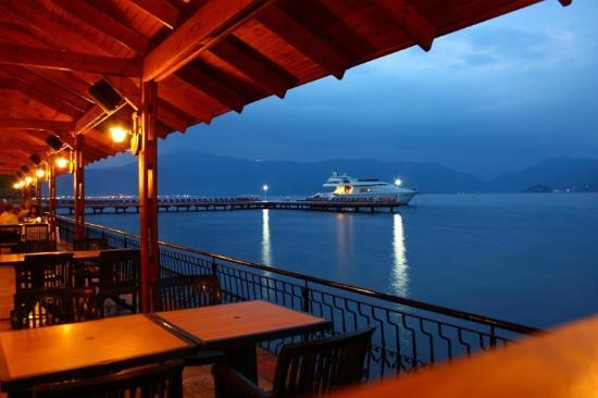 Marmaris Park: вид из рыбного ресторанчика