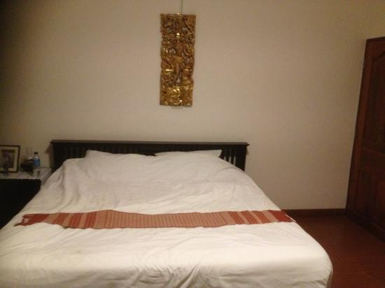 Baan Klang Vieng Hostel: double room