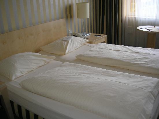 Relexa Hotel Ratingen City: Schlafbereich