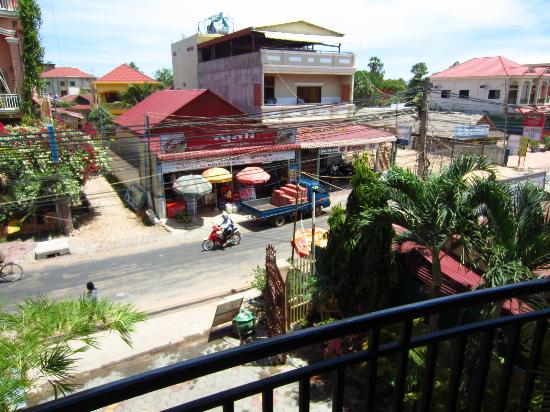 Angkor Friendship Inn: view from our balcony
