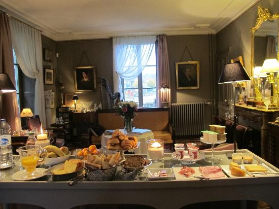 La Maison d'Hotes du Parc: Breakfast
