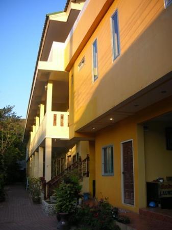 Mossman House : ตึกสีสดใส