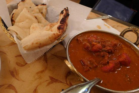 Harini Indian Cuisine: Chicken Tikka Tandoori and Naan