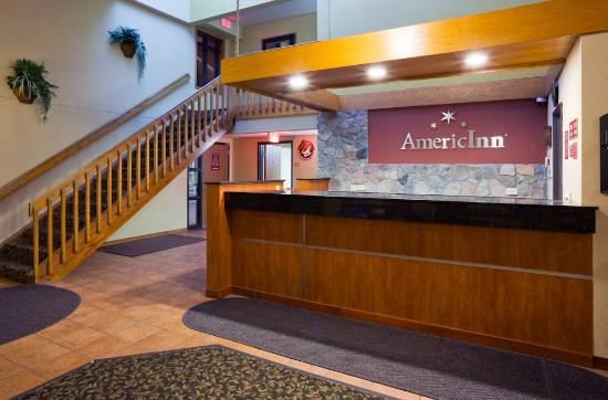 AmericInn Lodge & Suites Fargo West Acres: Front Desk/Lobby