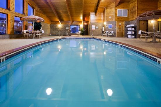AmericInn Lodge & Suites Fargo West Acres: Pool, Whirlpool, & Sauna