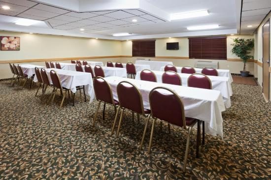 AmericInn Lodge & Suites Fargo West Acres: Liberty Bell Meeting Room