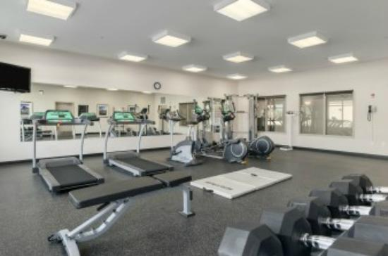 Ramada Creston: Fitness room