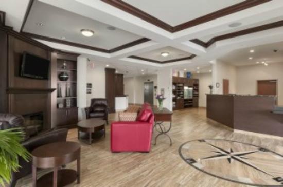 Ramada Creston: Lobby