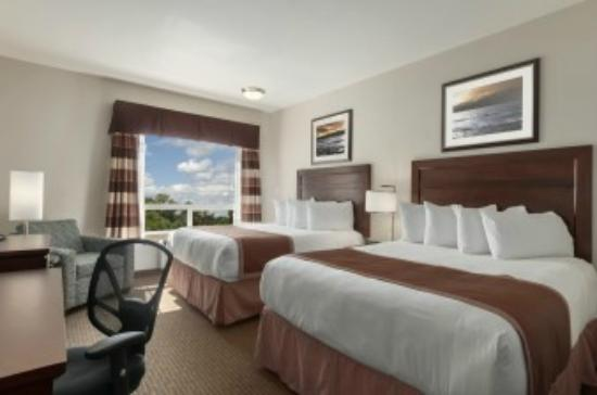 Ramada Creston: Standard two Queen room