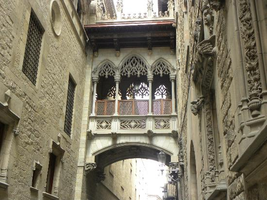Placa Real - Picture of Gothic Quarter (Barri Gotic), Barcelona - TripAdvisor