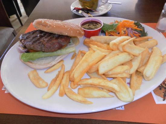 Canto: Burgers are to die for
