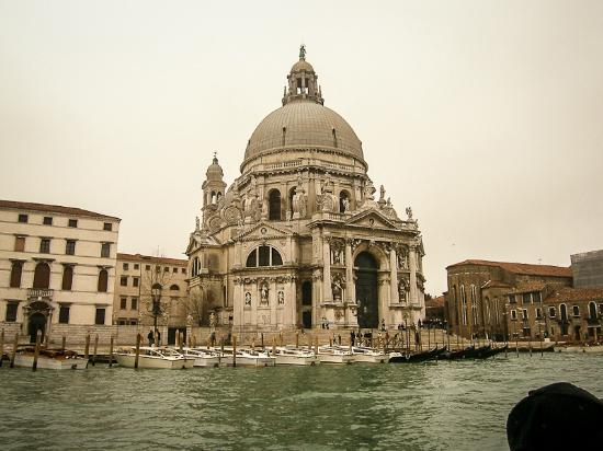Bauer Hotel: view from the hotel across the grand Canal