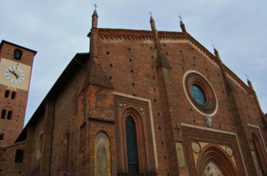 Basilica di San Lorenzo, Mortara