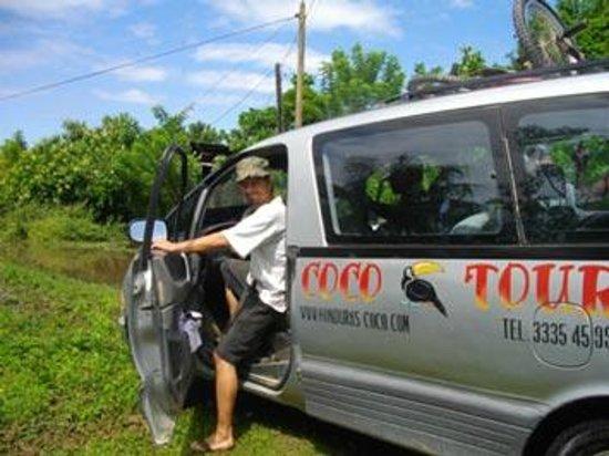 Coco Tours Honduras: ! des 4 vehicules de Coco Tours a Tela